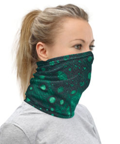 neck gaiter left side view
